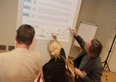 Unterzeichnung der Oldenburg Recommendations auf der Abschlussveranstaltung