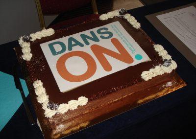 Ein Kuchen für das Projekt DANS ON bei der Final Konferenz