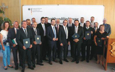 Förderbescheidübergabe durch Bundesverkehrsminister Alexander Dobrindt in Erding