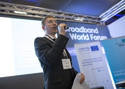 Darijus Valiucko (Projektmanager atene KOM GmbH) am 24.10.2017 in Berlin beim Governmental Workshop auf dem Broadband World Forum 2017. Foto: atene KOM GmbH / Florian Schuh