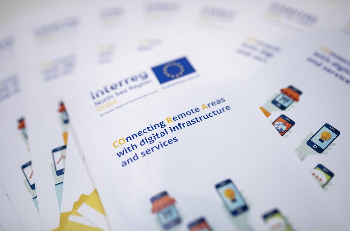 """CORA-Broschüren liegen am 25.10.2017 in Berlin bei der Messe """"Digitale Regionen - heute und morgen"""" aus."""