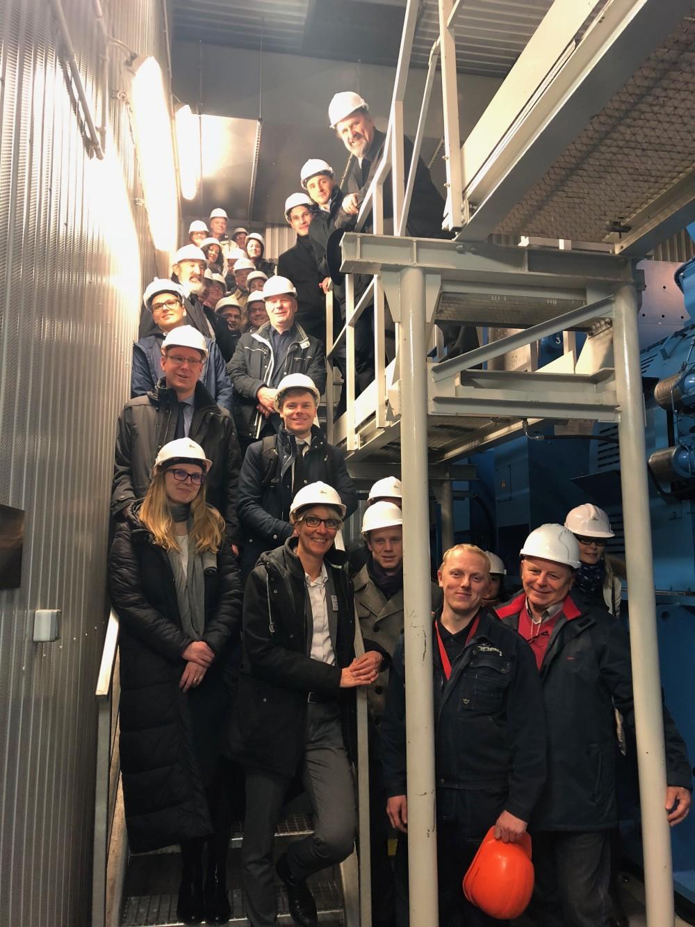LowTEMP Projektpartner auf Exkursion im Fernheizkraftwerk in Wejherowo, Polen.