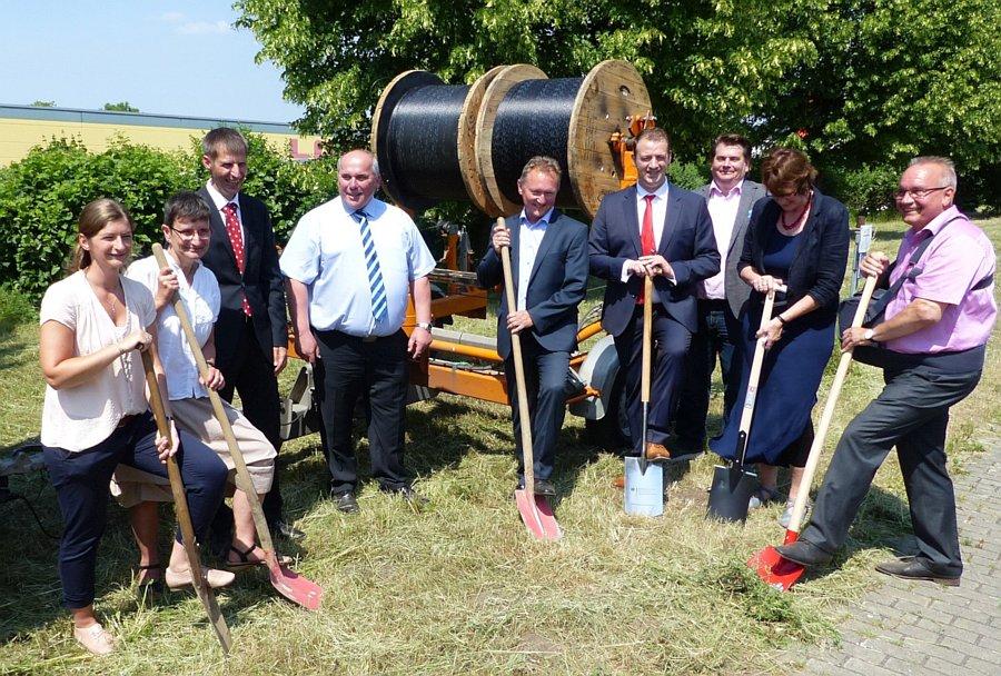 Spatenstich für schnelles Internet in Gewerbe- und Industriegebieten in Quedlinburg