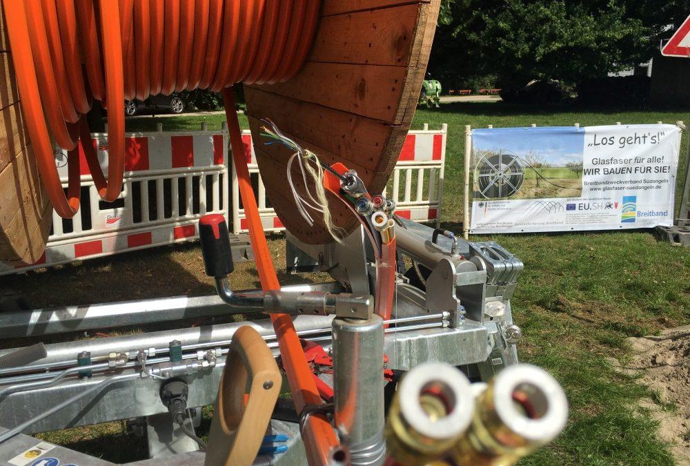Spatenstich für den Breitbandausbau des Breitbandzweckverbandes Südangeln