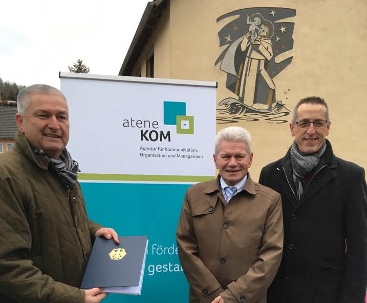 Landkreis Fulda auf der Überholspur: Netzstart in Hosenfeld und weiterer Fördermittelbescheid