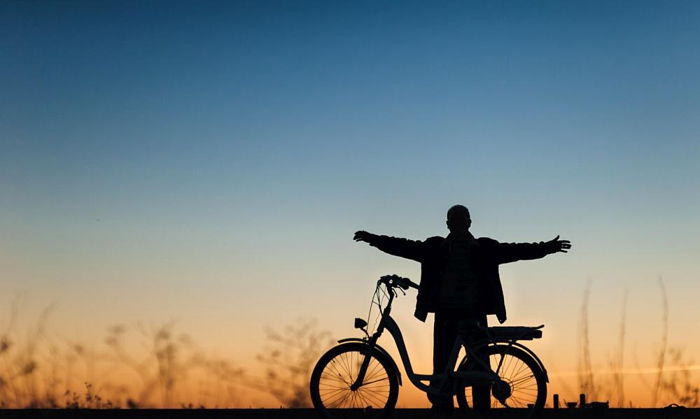 "atene KOM supports ""E-Bike Paradise"""