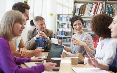 Digitale Schule: Fortbildung für Lehrer*innen und moderne Infrastruktur